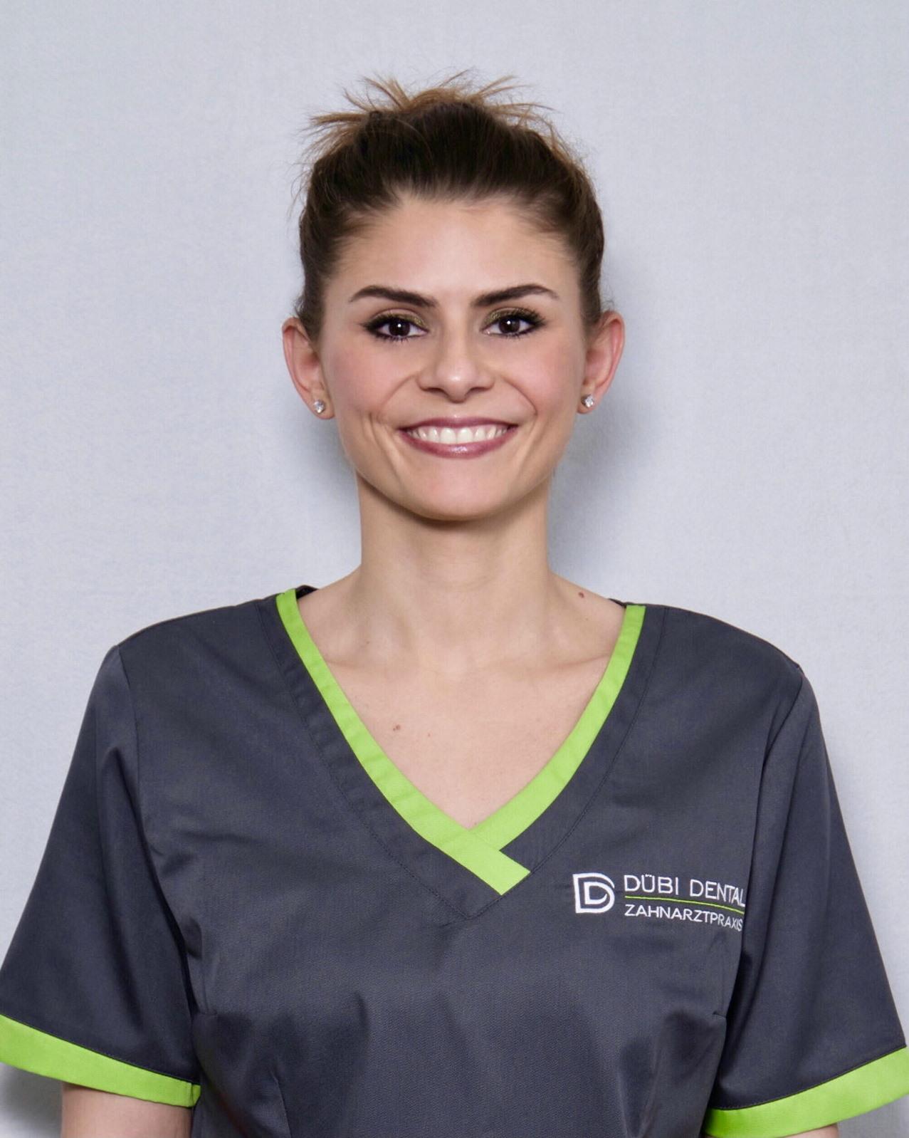 Mitarbeiterin Zahnarzt Dübendorf